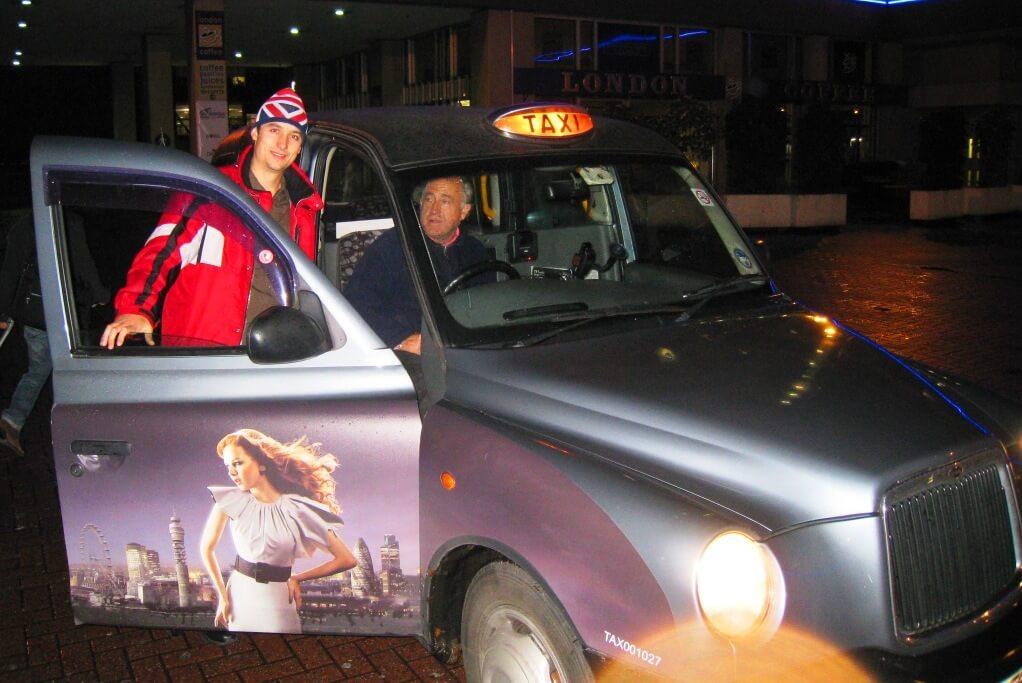 1-Лондонський-кеб-таксі-це-витвір-мистецтва