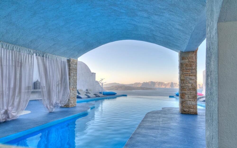 5897910-amazing-hotels-8-1000-53c212670e-1475487677