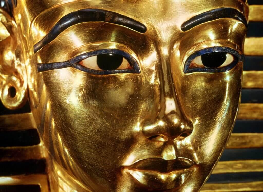 tutanhamon-prichina-besporyadkov-v-egipte-1024x748
