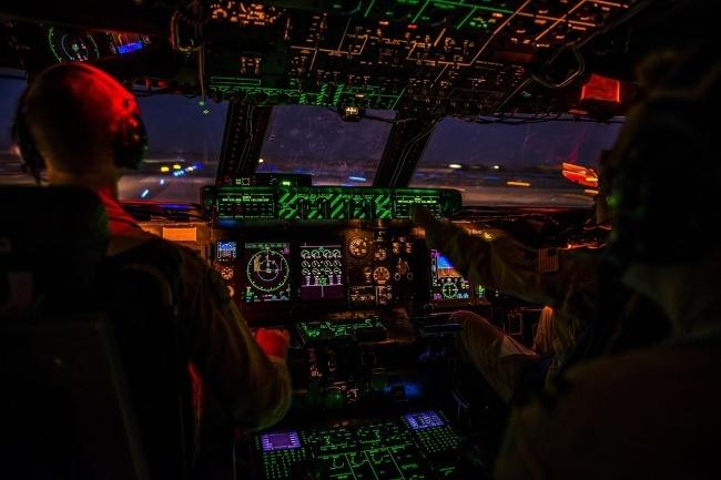 19373865-cockpit-1442715_1280-1479836544-650-cbf63b1481-1479979451