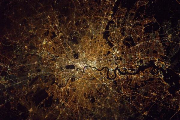 35c9840-london-at-night