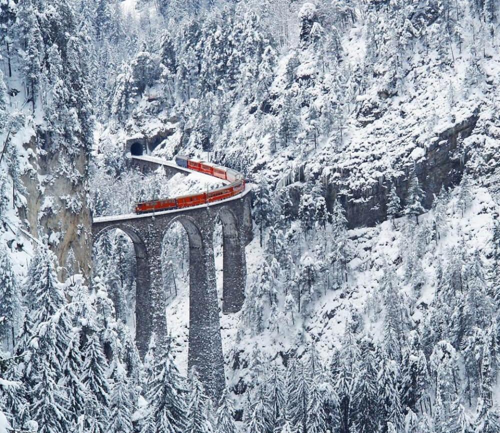 11608310-R3L8T8D-1000-960_SUPx-most-amazing-railway-switzerland