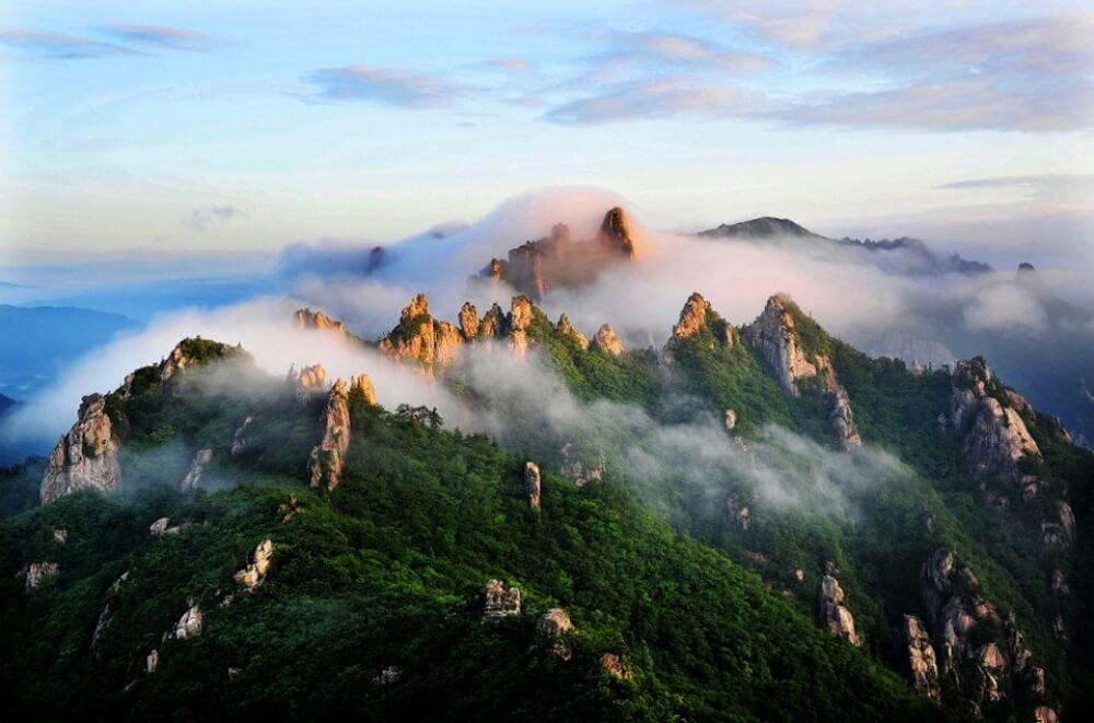 11610210-R3L8T8D-1000-26seoraksan-national-park-south-korea