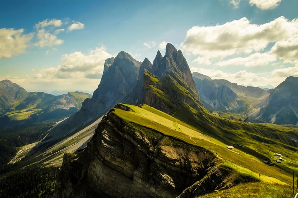 11612760-R3L8T8D-1000-51stunning-dolomites-mountains-italy