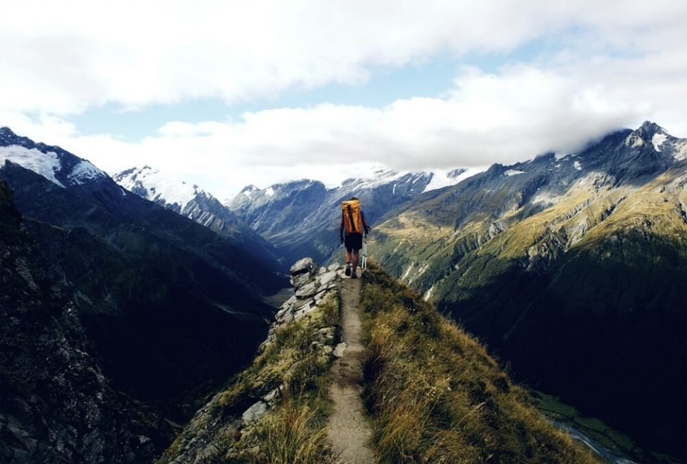 11617260-R3L8T8D-1000-88hitchhiking-through-new-zealand