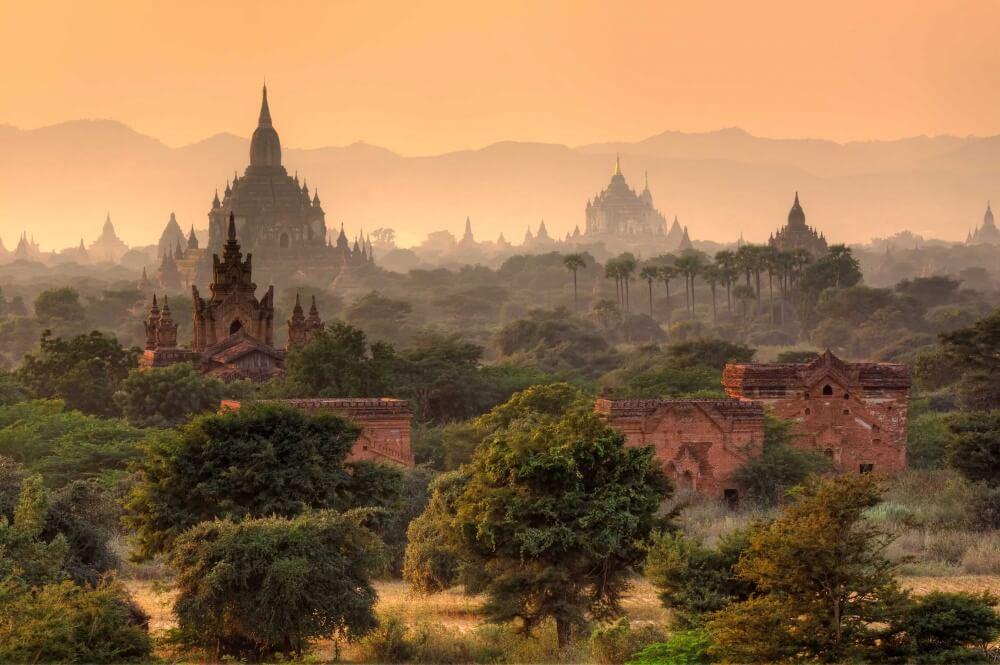 13951060-fairy-tales-bagan-myanmar-ruins-1000-1e7b77c339-1481008551