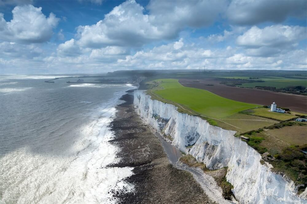 13951360-white-cliffs-of-dover-england-1000-71630cc85d-1481008551