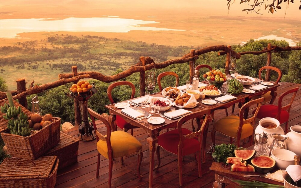 2561260-R3L8T8D-1000-Ngorongoro_Crater_Lodge_Breakfast