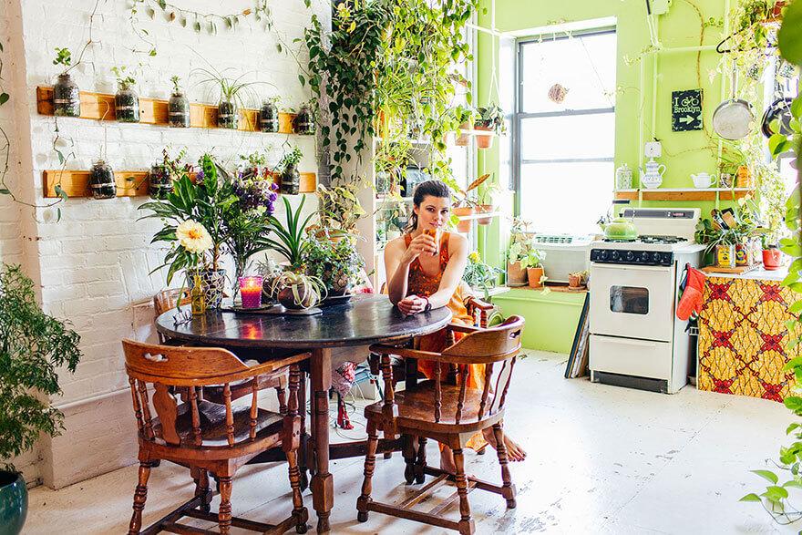 jungle-apartment-plants-summer-rayne-oakes-5 (1)