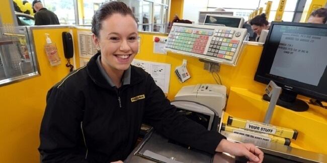 14381260-9844010-R3L8T8D-650-kind-cashier-1-650-85aba71ded-1484580106